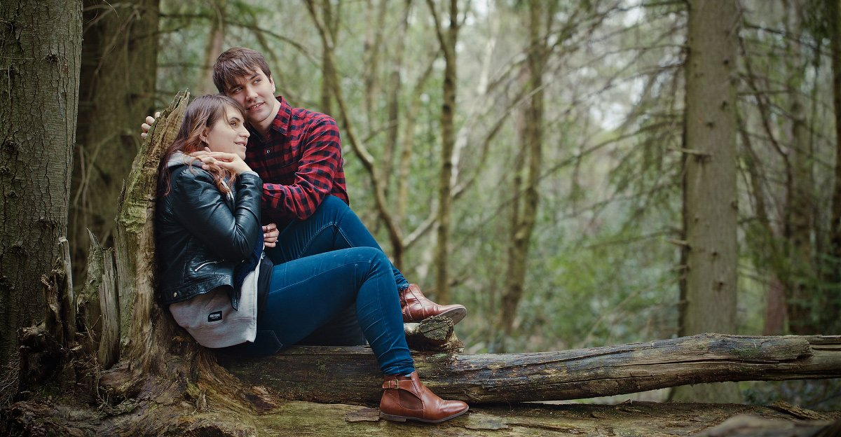 Engagement Session in St Leonards Forest in Horsham