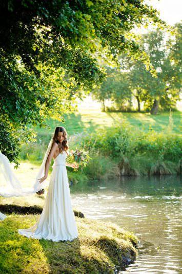 best wedding photographer at houghton lodge stockbridge